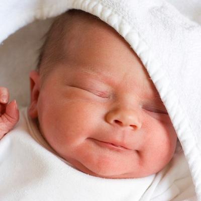 Новорожденный с молочницей